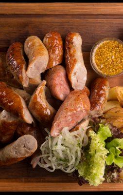 Carnati cu cartofi la cuptor